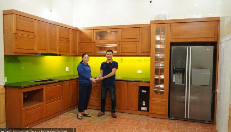 Tủ bếp gỗ Sồi Mỹ Đỏ tự nhiên – Nội Thất Phúc Thọ hoàn thiện tại nhà cô Hương, Vĩnh Yên, Vĩnh phúc